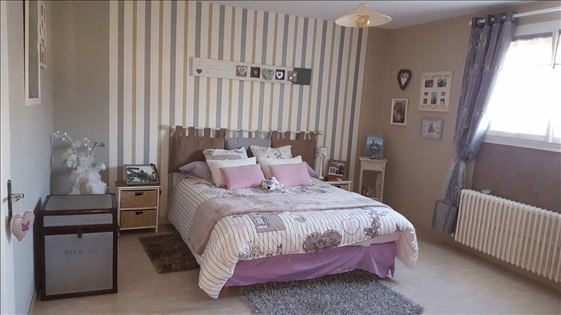 Sale house / villa Jussy 263750€ - Picture 4