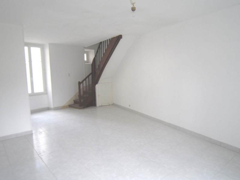 Rental house / villa Burie 557€ CC - Picture 1