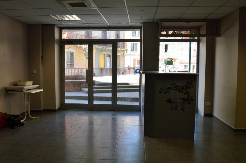 Location local commercial Le muy 750€ CC - Photo 2