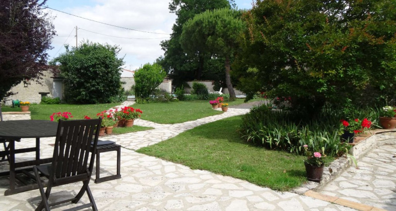 Deluxe sale house / villa Sainte soulle 624 000€ - Picture 3
