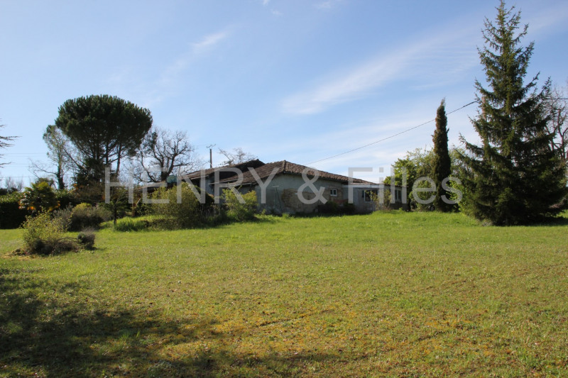 Sale house / villa L'isle jourdain 292 000€ - Picture 2