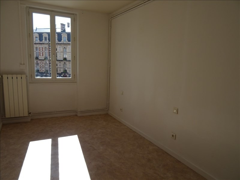 Rental apartment Roanne 360€ CC - Picture 2