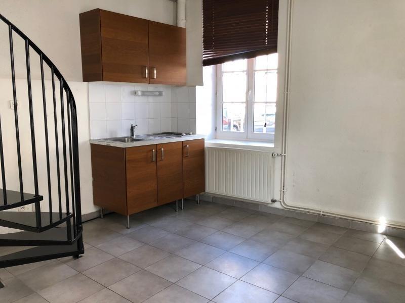 Location appartement Neuville sur saone 414€ CC - Photo 1