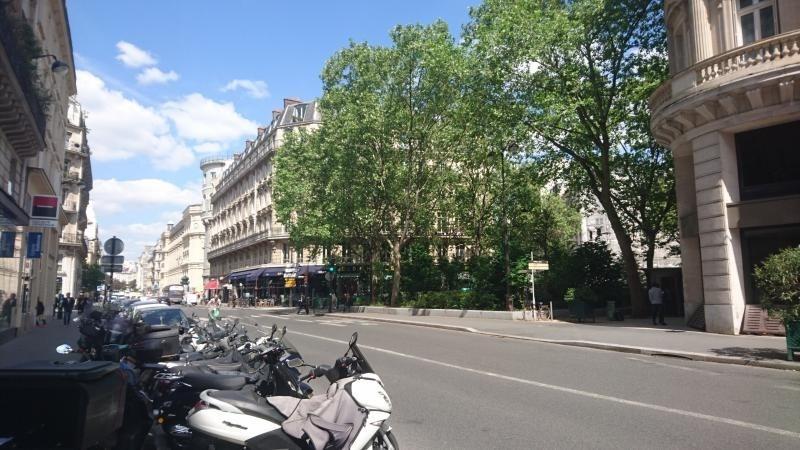 Sale empty room/storage Paris 1er 420000€ - Picture 7