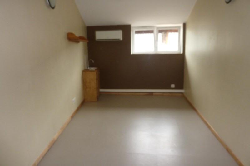 Local commercial 1 pièce(s) 18 m2