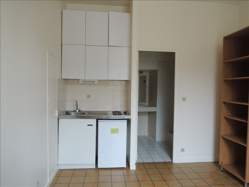 Location appartement Poitiers 300€ CC - Photo 2