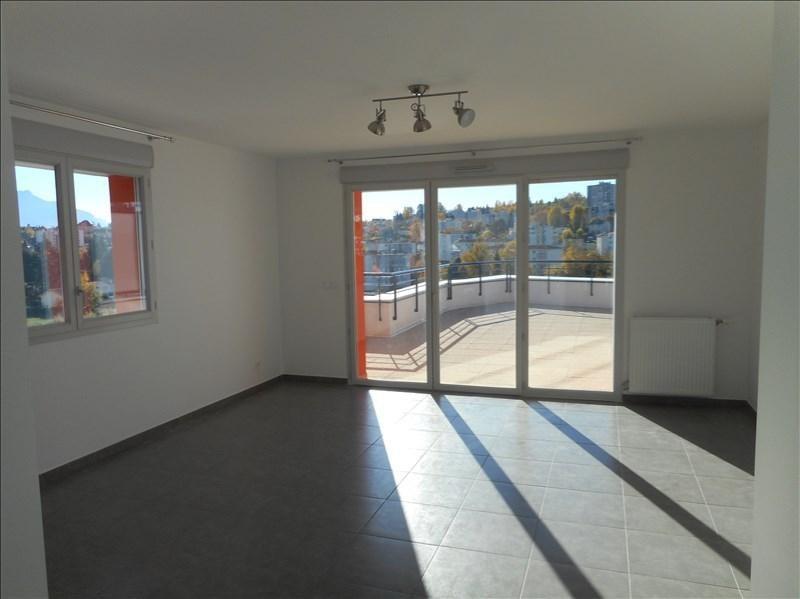 Verhuren  appartement Voiron 910€ CC - Foto 2