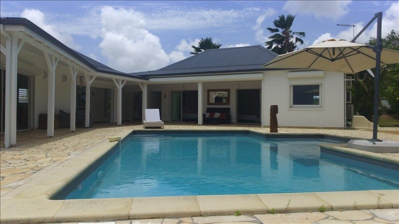 Deluxe sale house / villa Ste anne 1010000€ - Picture 3