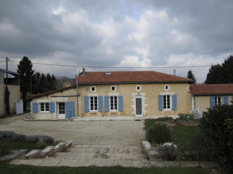 Vente maison / villa Barbezieux saint-hilaire 245000€ - Photo 1