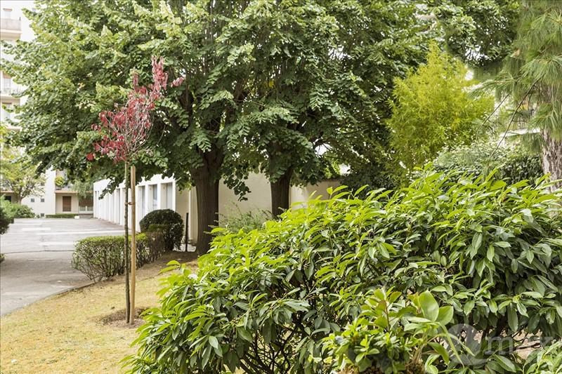 Sale apartment Courbevoie 300000€ - Picture 3