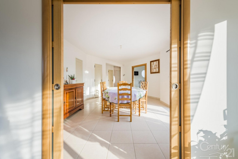 Revenda casa Escoville 329000€ - Fotografia 3