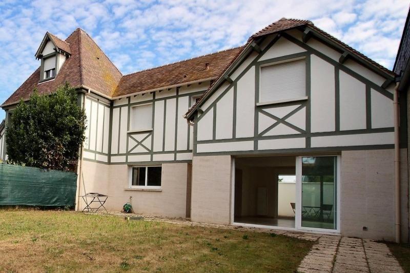 Deluxe sale house / villa Deauville 700000€ - Picture 1