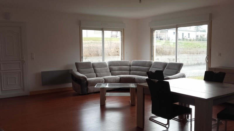Location maison / villa Liguge 700€ +CH - Photo 2