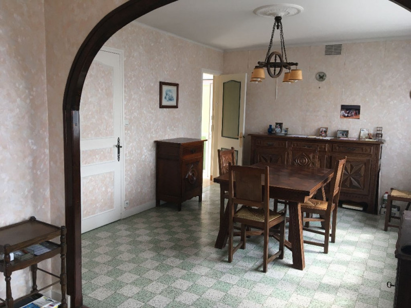 Sale house / villa Laval 107400€ - Picture 1