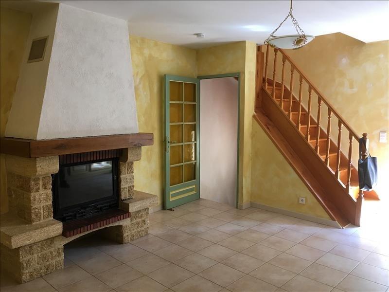 Location maison / villa Pelissanne 755€ CC - Photo 2