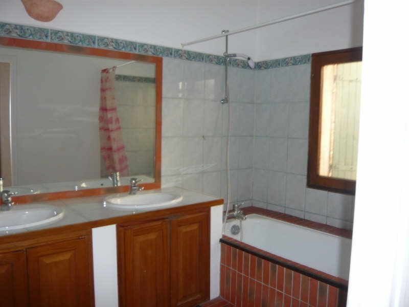 Rental apartment Aix en provence 735€ CC - Picture 3