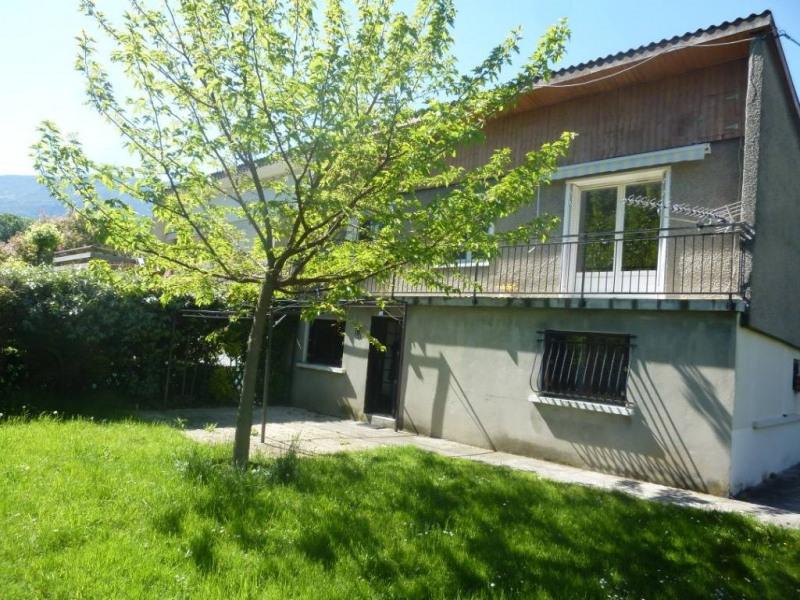 Location maison / villa Saint-egreve 1100€ CC - Photo 1