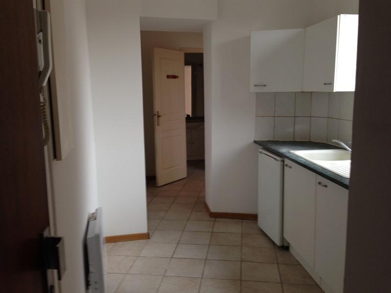 Sale apartment Lille 110000€ - Picture 2