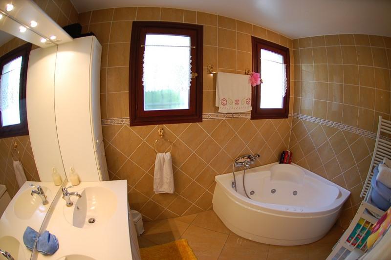 Vente maison / villa Ollioules 451000€ - Photo 5