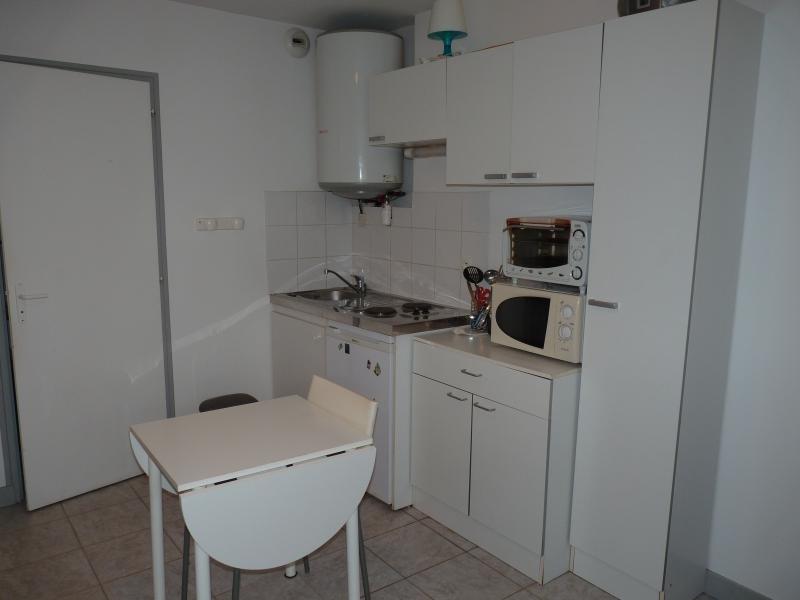 Rental apartment La roche sur yon 302€ CC - Picture 2