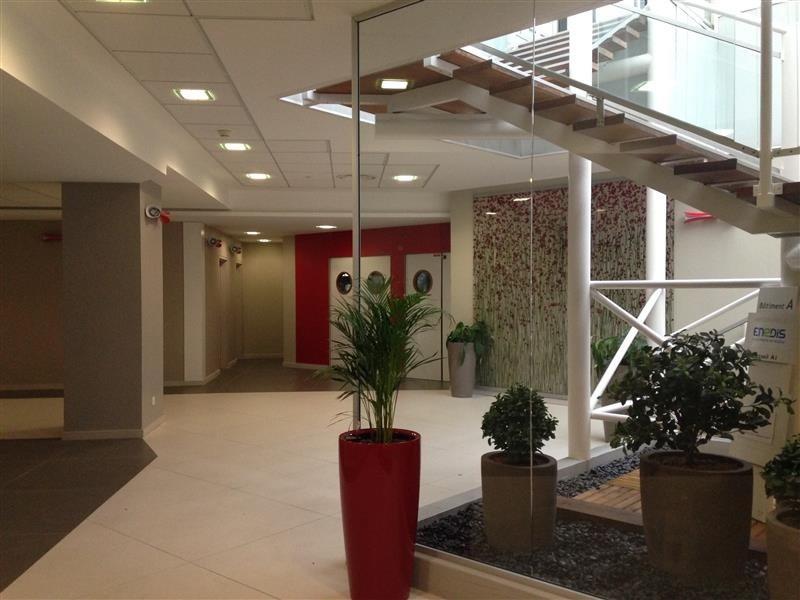 location bureau montigny le bretonneux 78180 montigny le bretonneux de 2779 m ref wi y47l. Black Bedroom Furniture Sets. Home Design Ideas
