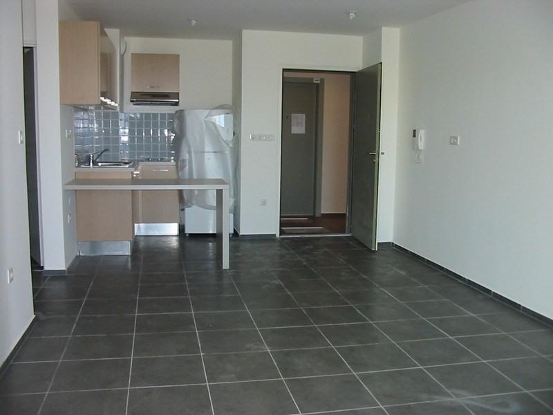 Location appartement St denis 611€ CC - Photo 11