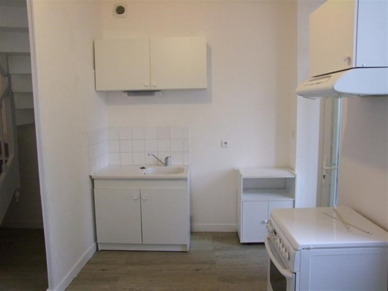 Rental apartment Saint-jean-d'angély 450€ CC - Picture 1
