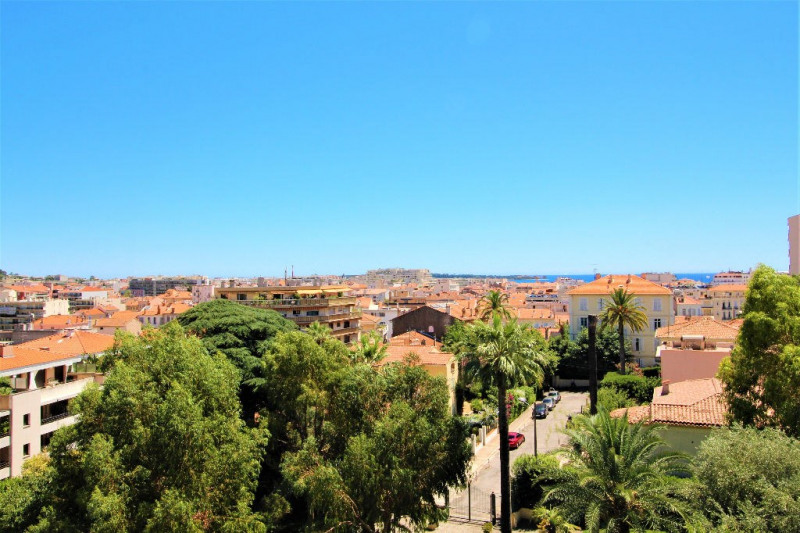 Deluxe sale apartment Cannes 839000€ - Picture 3