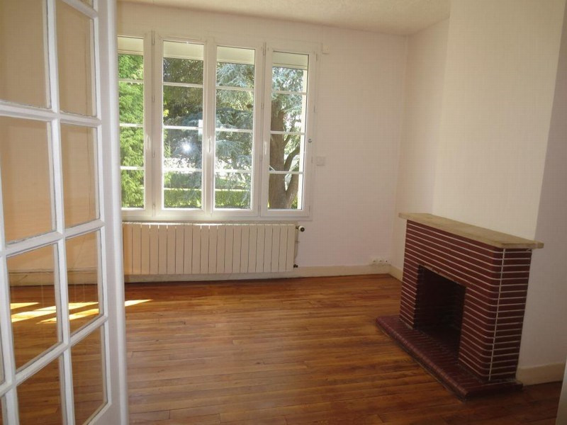 Location appartement Cerences 410€ +CH - Photo 1