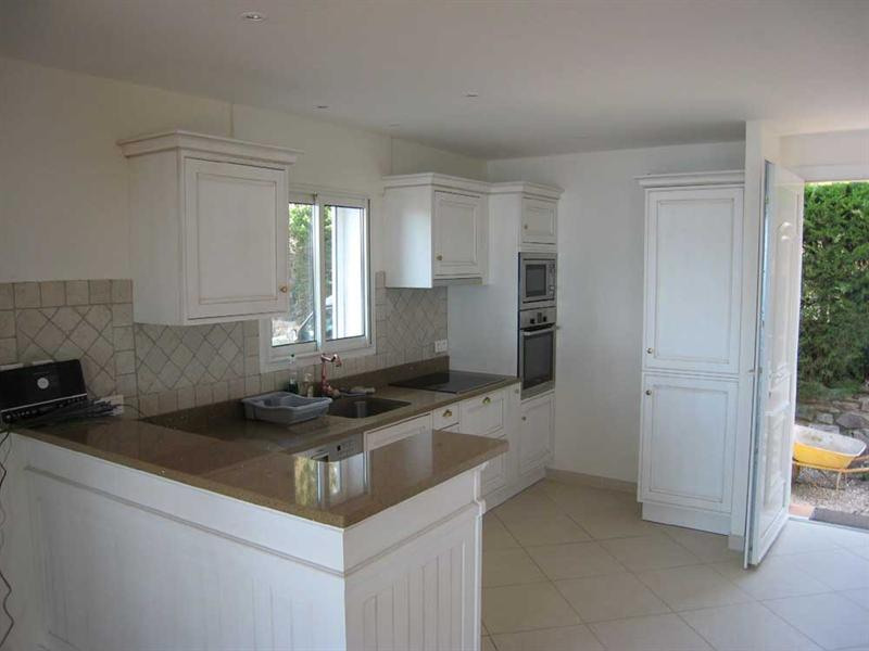 Vacation rental house / villa Cavalaire sur mer 1 500€ - Picture 17