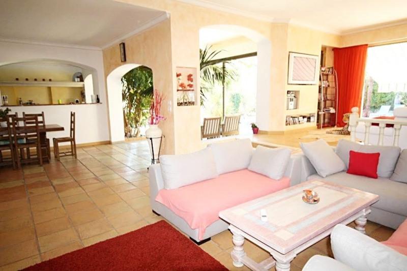 Deluxe sale house / villa Juan-les-pins 1750000€ - Picture 2
