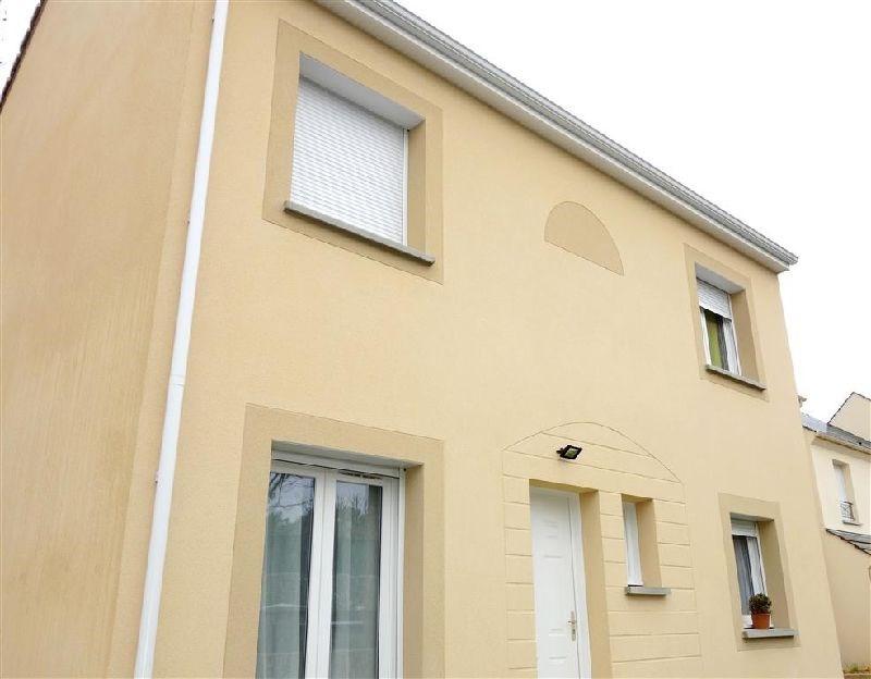Sale house / villa Ste genevieve des bois 389000€ - Picture 1