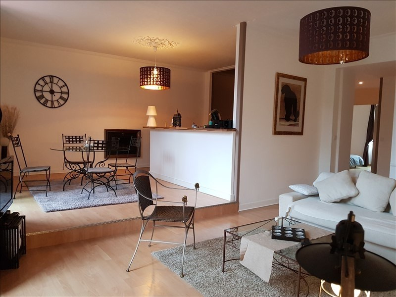 Deluxe sale apartment Auray 247925€ - Picture 2
