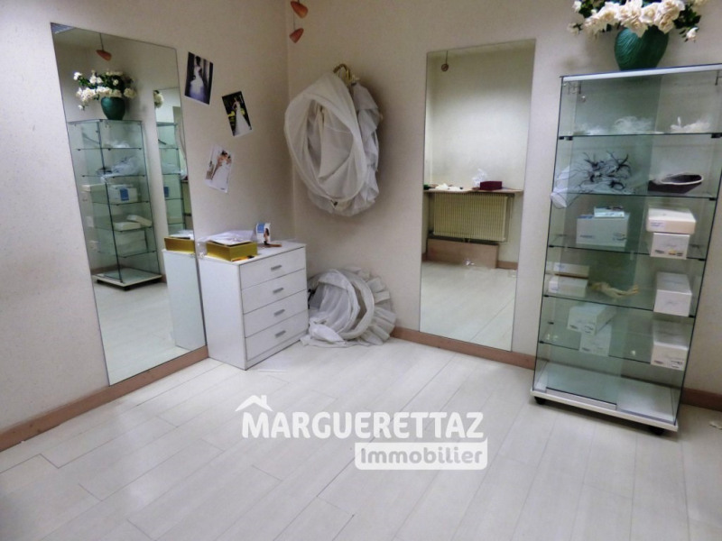 Commercial property sale shop Cluses 189000€ - Picture 3