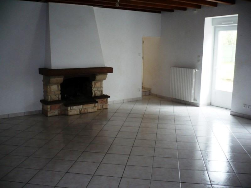 Location maison / villa Les touches 801€ CC - Photo 3