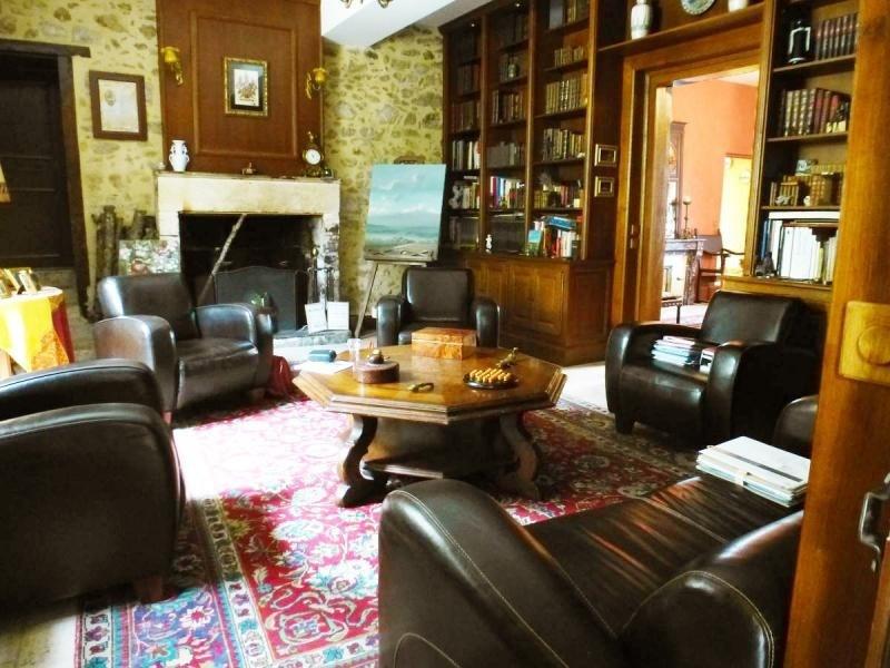 Deluxe sale house / villa Nontron 682500€ - Picture 2