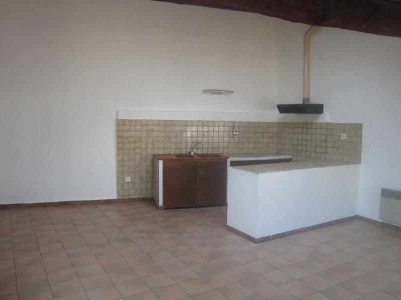 Rental apartment Lambesc 610€ CC - Picture 1