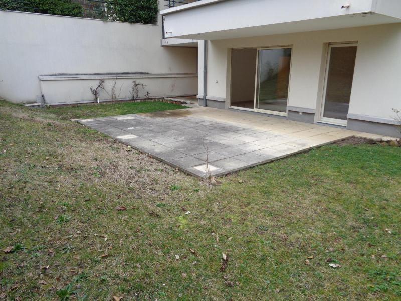 Location appartement Grezieu la varenne 915€ CC - Photo 7