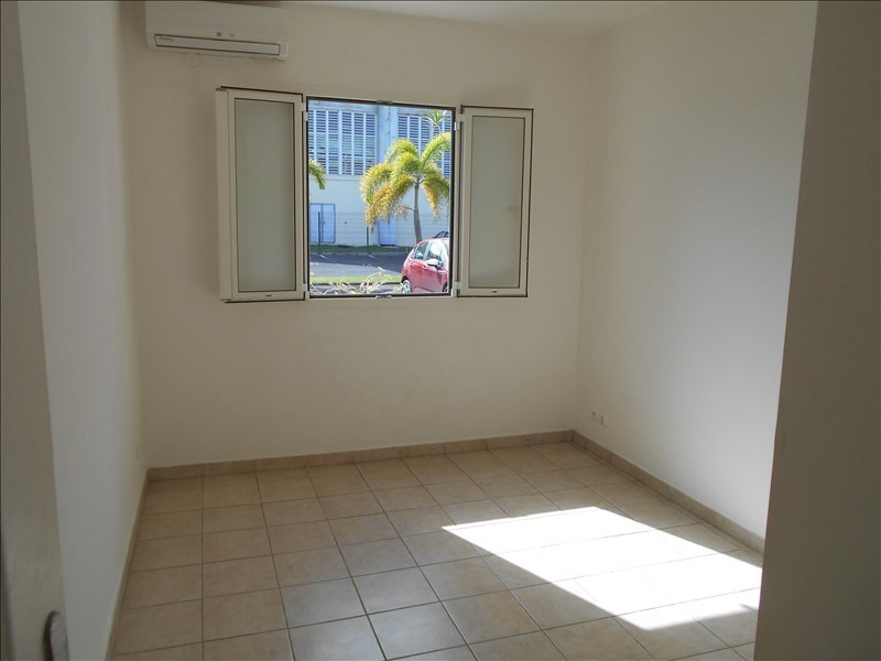 Sale apartment St francois 235 000€ - Picture 5
