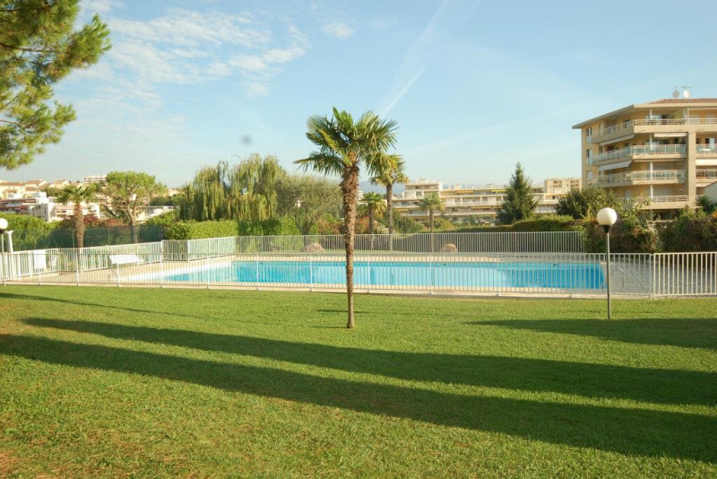 Sale apartment Antibes 283 000€ - Picture 1