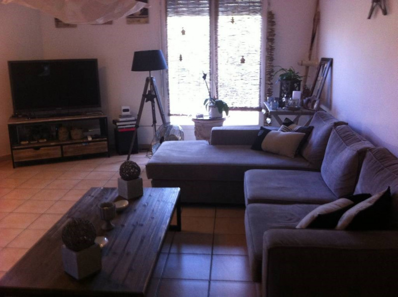 Rental apartment Les angles 843€ CC - Picture 4
