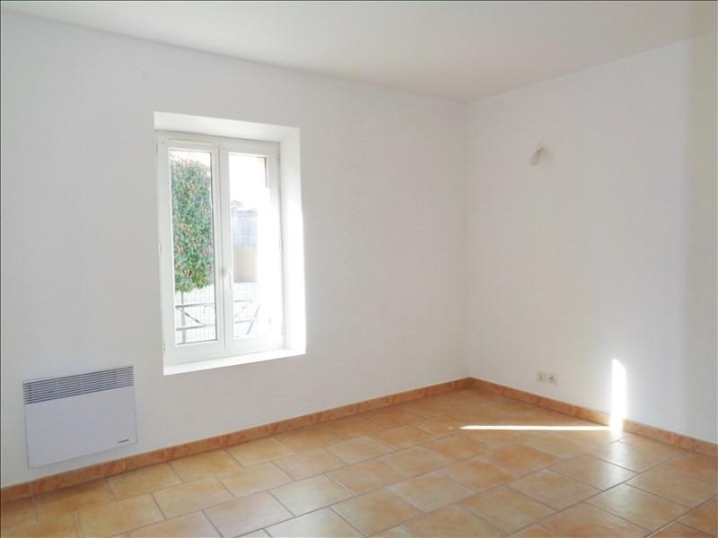 Rental apartment Crau 738€ CC - Picture 4
