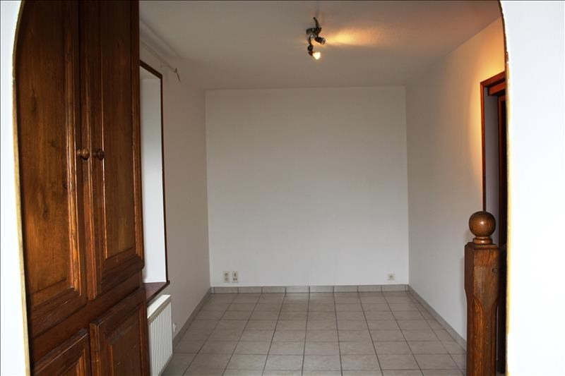 Location appartement Poigny la foret 750€ CC - Photo 3
