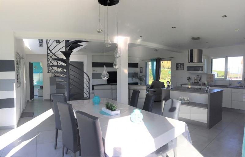 Sale house / villa Bu 320000€ - Picture 2