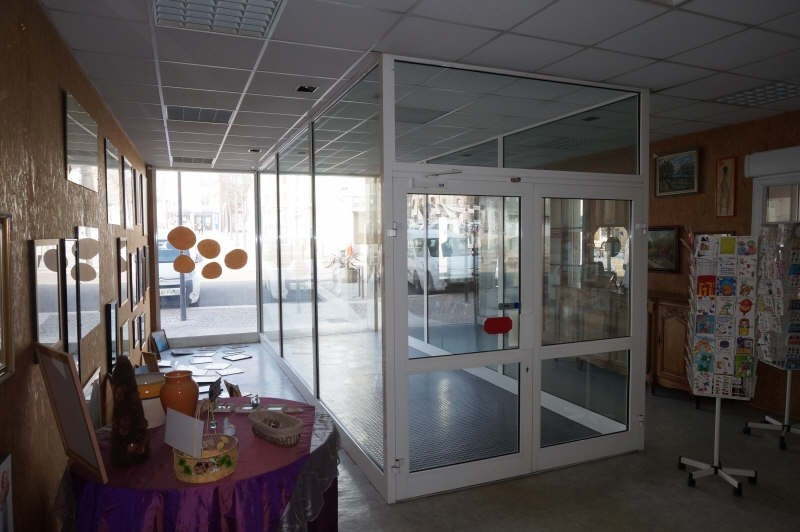 Sale shop Beaurepaire 86 000€ - Picture 2