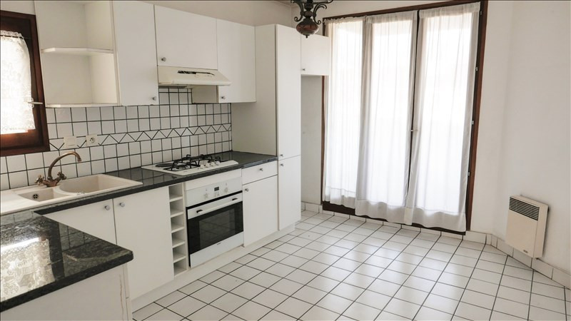 Sale apartment Annecy 273 000€ - Picture 2