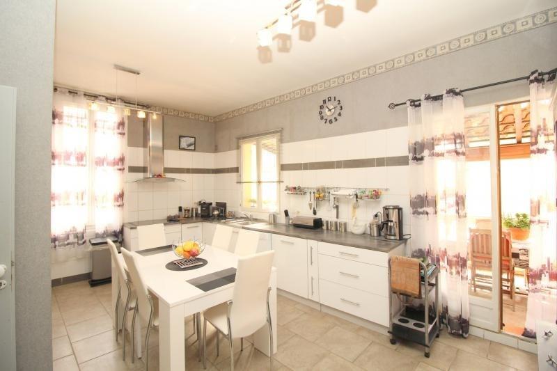 Deluxe sale house / villa Salon de provence 630000€ - Picture 6