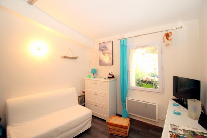 Vendita appartamento Salon de provence 177000€ - Fotografia 5