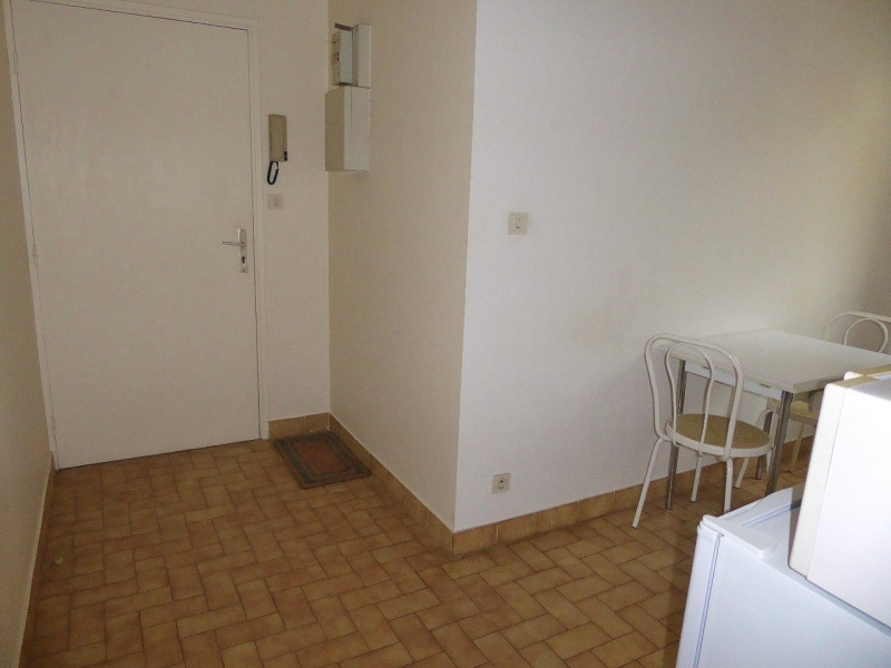 Location appartement Aubenas 390€ CC - Photo 8