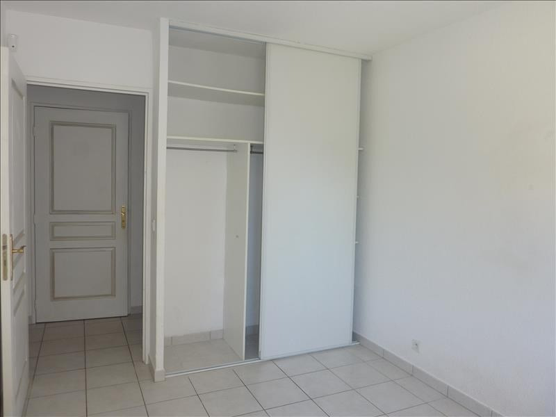 Location appartement Marseille 8ème 1 140€ CC - Photo 5